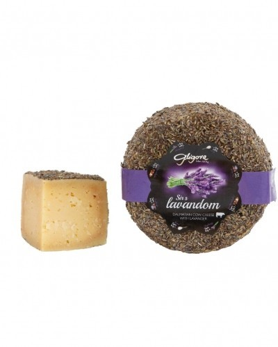 Cow milk cheese with lavander