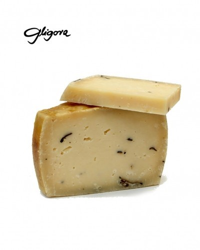 Cow milk cheese with truffles 1/8, min.110g
