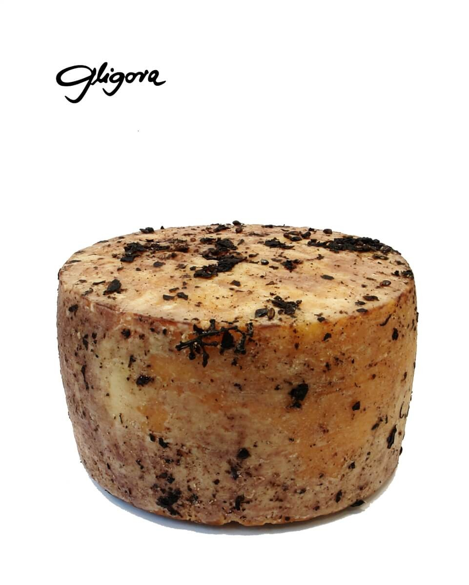 Zigljen cheese aged in pressed wine grapes
